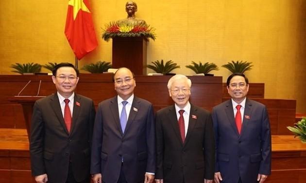 Messages de félicitation aux dirigeants vietnamiens