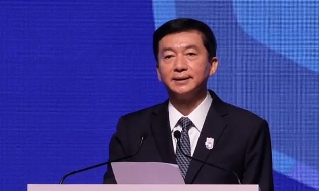 Un représentant de Pékin à Hong Kong avertit les puissances étrangères de ne pas interférer
