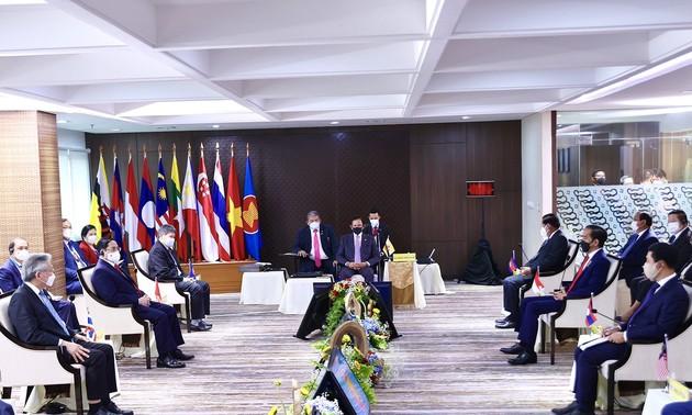 Le Vietnam contribue activement au Sommet de l'ASEAN