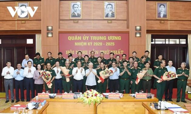 Une armée fidèle à la Patrie, au Parti communiste, à l'État et au Peuple