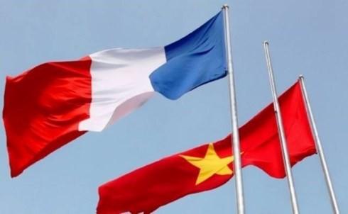 Fête nationale française: les dirigeants vietnamiens présentent leurs vœux