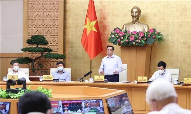 Pham Minh Chinh: Le gouvernement mettra tout en œuvre pour contenir la pandémie dans les provinces du Sud