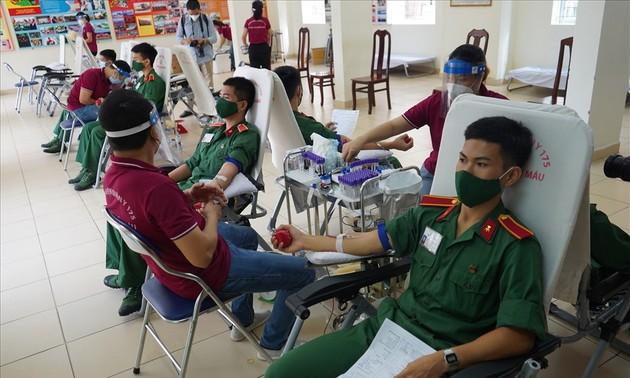 Don de sang: lancement d'une nouvelle campagne au sein de l'armée
