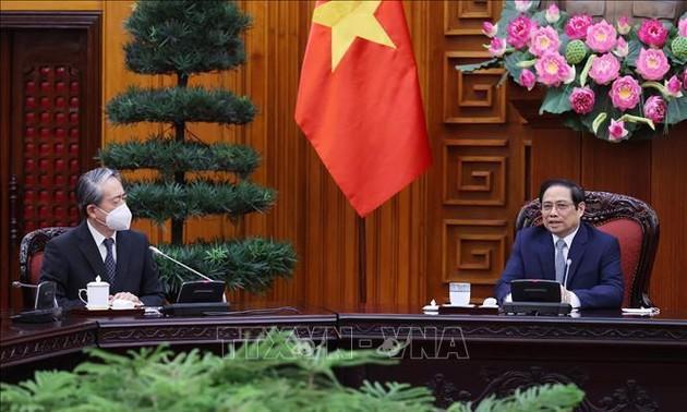Le Premier ministre reçoit l'ambassadeur de Chine au Vietnam