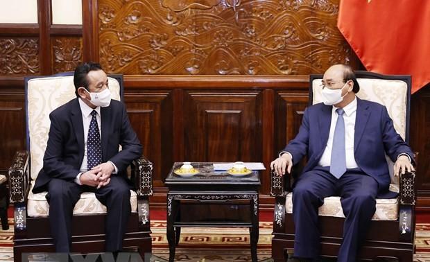 L'ambassadeur de Mongolie reçu par Nguyên Xuân Phuc