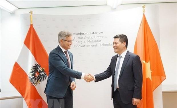 Le Vietnam souhaite renforcer sa coopération avec l'Autriche dans les énergies renouvelables et le développement durable