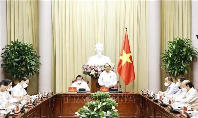 Pour perfectionner l'État de droit socialiste du Vietnam