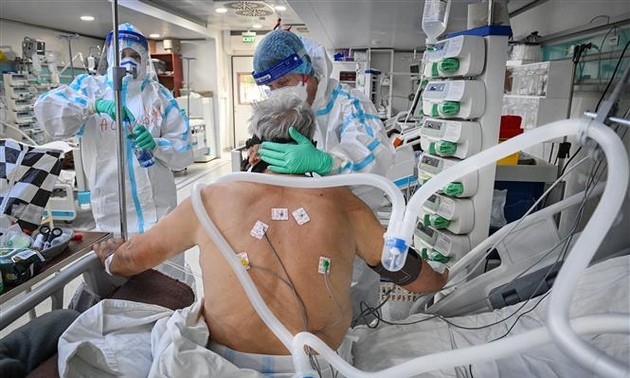 Plus de 4,86 millions de morts de Covid-19 dans le monde