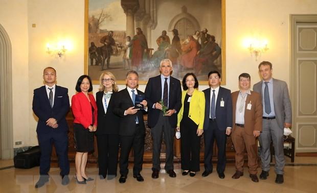 Le Vietnam à une réunion parlementaire préparatoire à la COP26