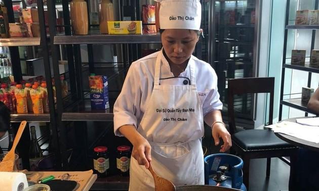 В Ханое отпраздновали Всемирный день тапас