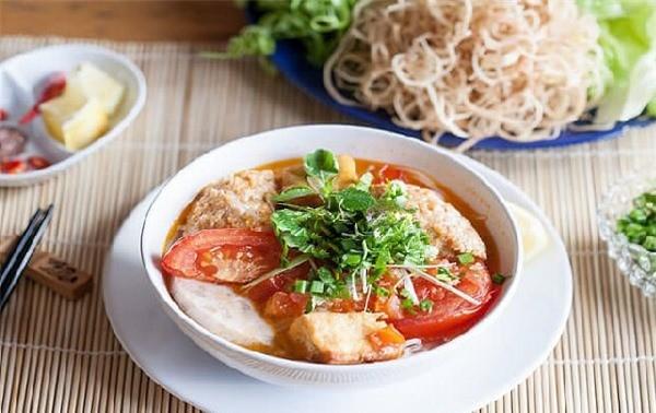 Вьетнамская лапша с крабовым бульоном «бун-риеу-куа» вошла в ТОП самых вкусных блюд в Азии