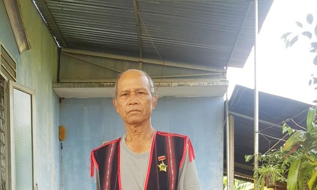 О старейшине Ксоре Хяо - авторитетном человеке в общине Иадер