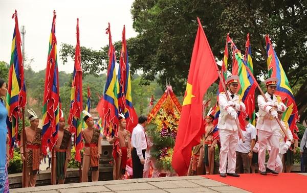 Người dân cả nước thành kính hướng về Lễ Giỗ Tổ Hùng Vương 2019