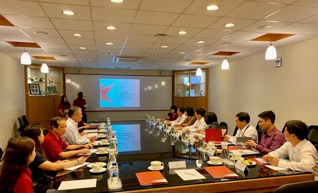 Việt Nam và Singapore đẩy mạnh hợp tác giao lưu nhân dân và văn hóa