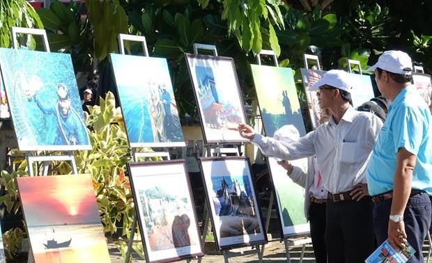 """Khai mạc trưng bày chuyên đề """"Lý Sơn- Tinh hoa Di sản lễ hội, địa chất"""""""