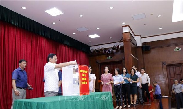 Cộng đồng người Việt tại Lào chung tay giúp người dân địa phương khắc phục thiên tai