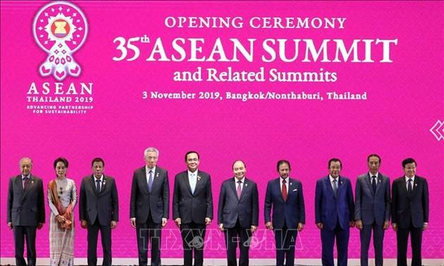 Khai mạc Hội nghị cấp cao ASEAN lần thứ 35