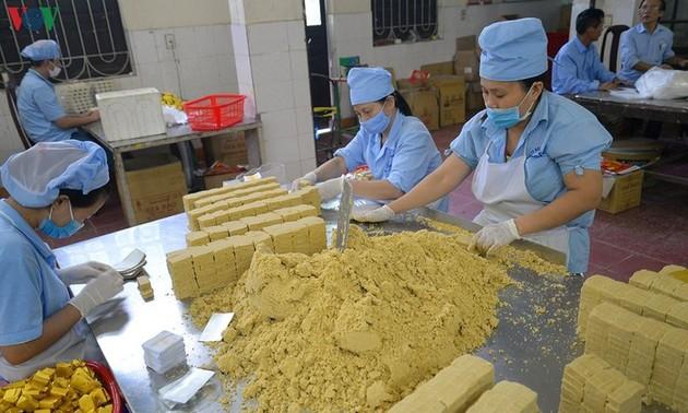 Bánh đậu xanh - thơm ngọt tình người xứ Đông