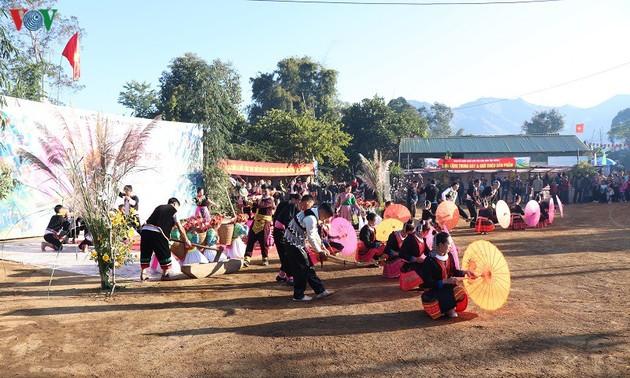 Sôi nổi các hoạt động trong ngày hội giao lưu văn hoá dân tộc Mông tại tỉnh Điện Biên