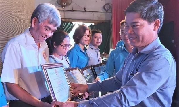 Học bổng Nguyễn Đức Cảnh tiếp sức cho con công nhân, người lao động
