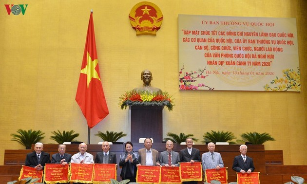 Chủ tịch Quốc hội Nguyễn Thị Kim Ngân gặp mặt nguyên lãnh đạo Quốc hội, cán bộ hưu trí Văn phòng Quốc hội