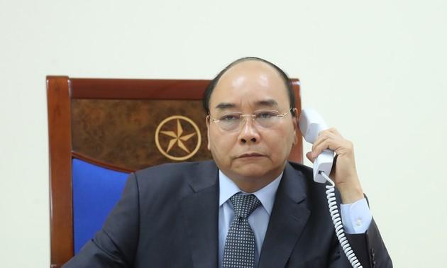 Chính phủ Việt Nam hỗ trợ Chính phủ Lào và Chính phủ Campuchia các trang thiết bị y tế cần thiết với trị giá 100.000 USD