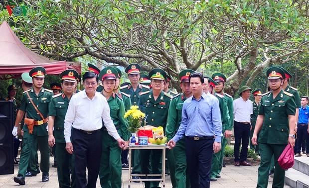 Nguyên Chủ tịch nước Trương Tấn Sang dự lễ truy điệu các Anh hùng liệt sỹ tại tỉnh Hà Giang