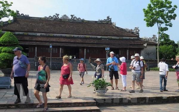 Более миллиона иностранных туристов посетили бывшую столицу Хюэ