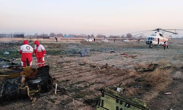 Крушение самолёта в Иране: на борту было свыше 170 человек, выживших нет