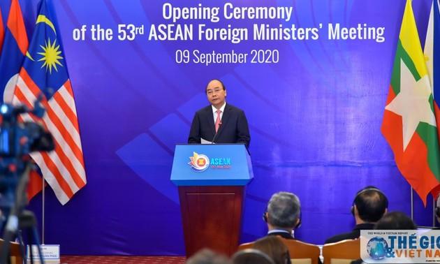 Международные эксперты высоко оценил ведущую роль Вьетнама в решении региональных вопросов