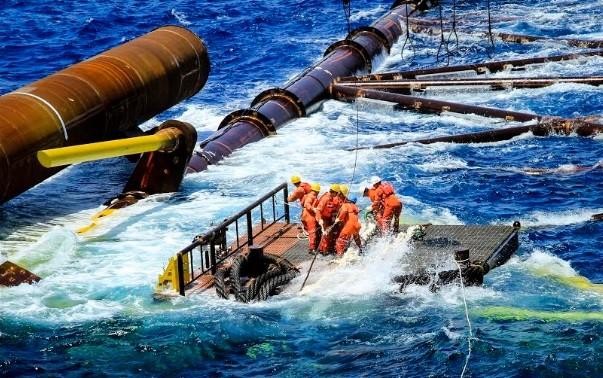 Нефтегазовая отрасль сталкивается с «двойным кризисом»