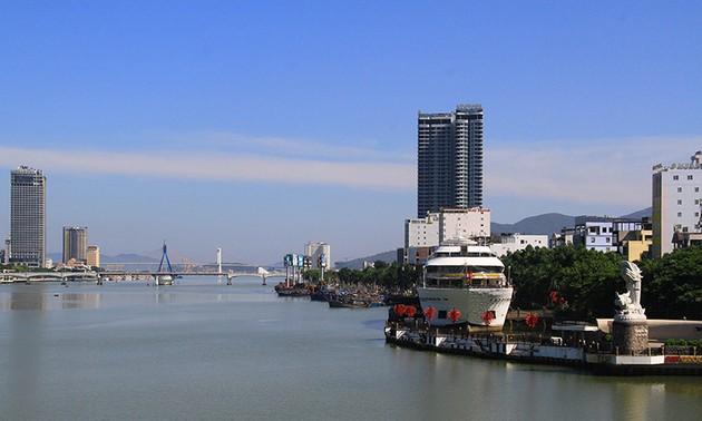 Дананг обеспечивает безопасность туристов и местных жителей