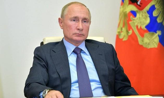 Путин призвал Армению и Азербайджан прекратить боевые действия