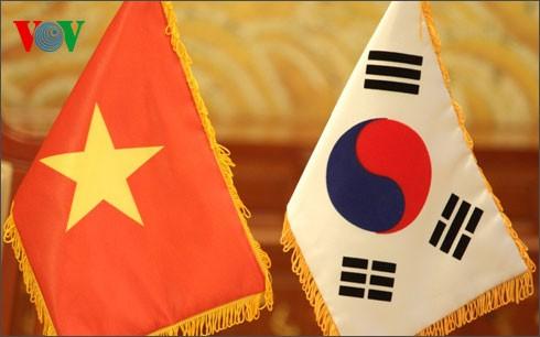 Vietnamiens et Sud-Coréens échangent des messages de félicitation