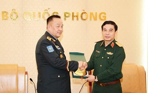 Dynamiser la coopération Vietnam – Mongolie dans la défense