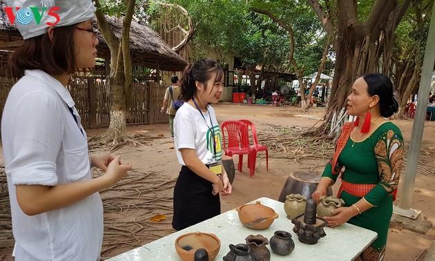 Bàu Truc, une adresse rouge de la poterie artisanale