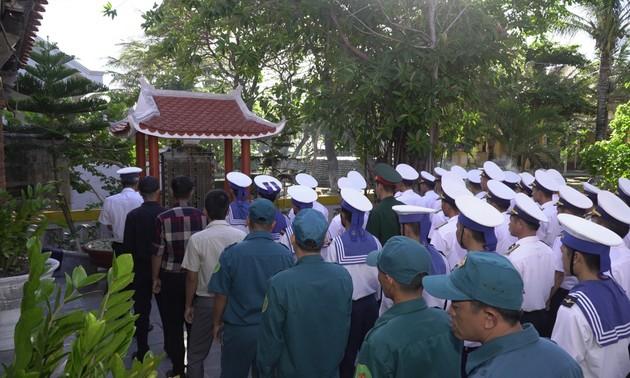 Hommage aux soldats morts à Gac Ma