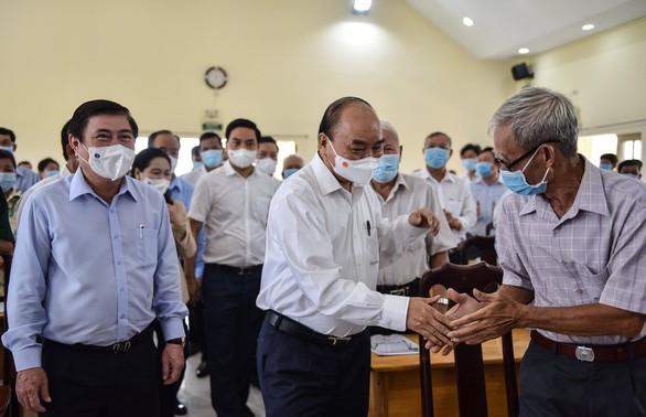 Nguyên Xuân Phuc rencontre des électeurs de Hô Chi Minh-ville