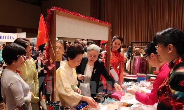 Việt Nam tích cực tham gia Hội chợ từ thiện của Hội Phụ nữ châu Á - Thái Bình Dương