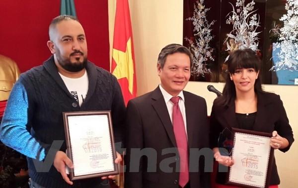 Trao giải thưởng thông tin đối ngoại cho nhà báo Algeria