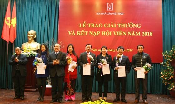 Nhìn lại Giải thưởng Hội nhà văn Việt Nam 2018