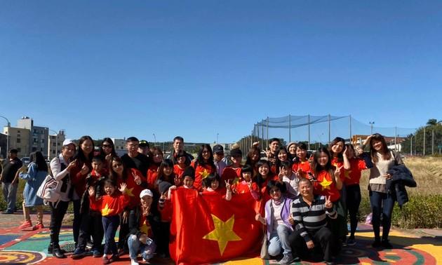 Lao động Việt Nam tại Đài Loan sẽ được tăng lương cơ bản từ 1/1/2020