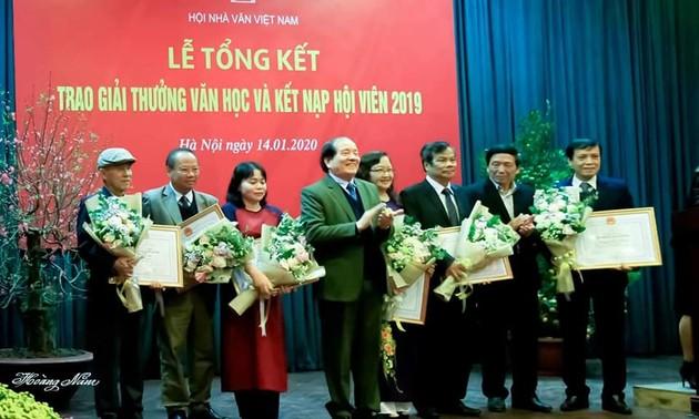 Giải thưởng Hội nhà văn Việt Nam 2019 – Người trong cuộc nói gì?