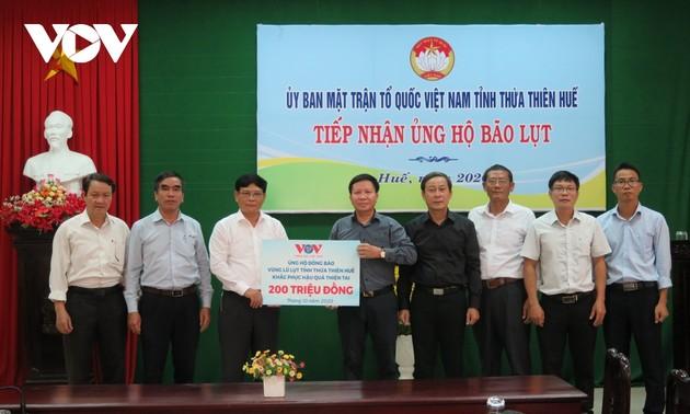 Đài TNVN trao 400 triệu đồng hỗ trợ đồng bào vùng lũ 2 tỉnh Quảng Trị, Thừa Thiên Huế