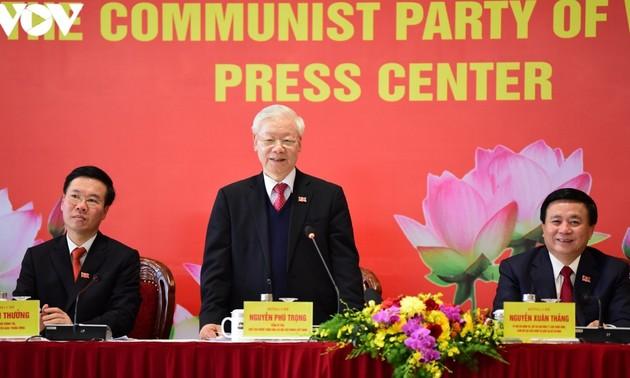 Tổng Bí thư, Chủ tịch nước Nguyễn Phú Trọng chủ trì họp báo quốc tế sau thành công của Đại hội