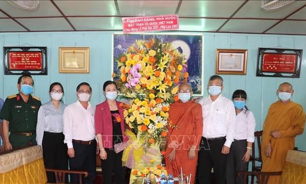 Lãnh đạo Trung ương Mặt trận Tổ quốc Việt Nam thăm, chúc mừng Đại Lễ Phật đản năm 2021 tại Cần Thơ