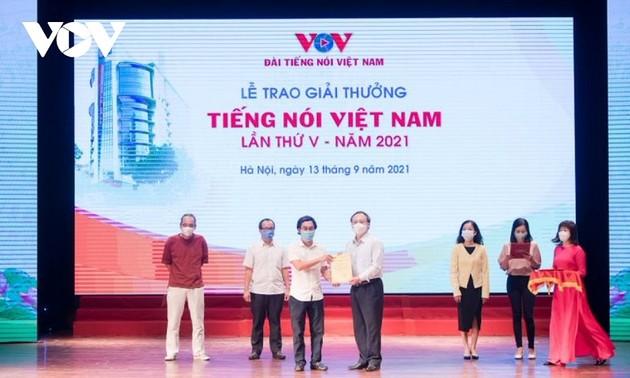 VOV trao giải thưởng Tiếng nói Việt Nam năm 2021