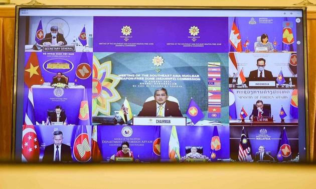 ยืนยันบทบาทเป็นศูนย์กลางของอาเซียนในการส่งเสริมการสนทนา ความร่วมมือเพื่อสันติภาพ ความมั่นคงและการพัฒนาในภูมิภาค