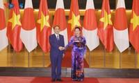 응우옌 티 낌 응언 국회의장, 일본총리와 회견