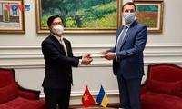 많은 분야에서 베트남 – 우크라아나 양국관계 추진